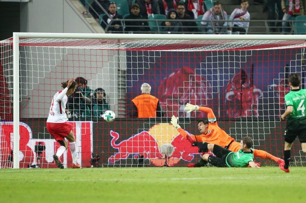 Yussuf Poulsen gelingt der wichtige Ausgleich. Foto: GEPA pictures/Roger Petzsche