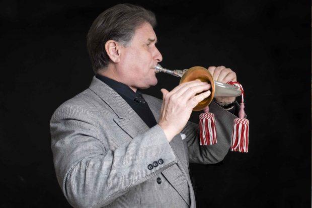 Richard Carson Steuart mit der Reiche-Trompete. Foto: PR
