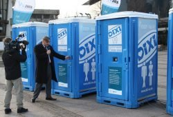 Toilettentag der Leipziger Wasserwerke 2013 in der Leipziger Innenstadt. Foto: Ralf Julke
