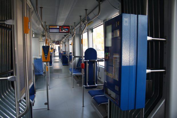 Straßenbahn mal ganz ohne Schwarzfahrer. Foto: Ralf Julke