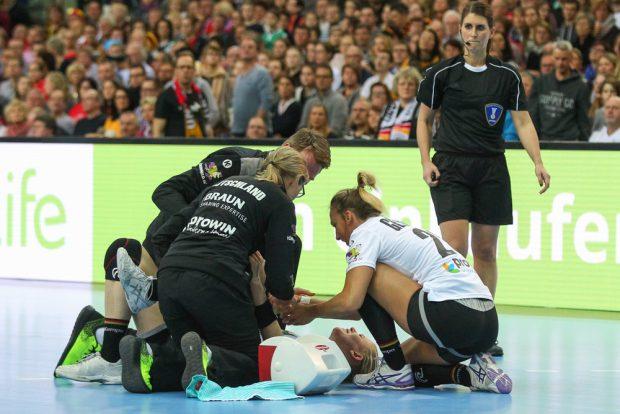 Ein Kreuzbanriss beendete die Heim-WM für Kim Naidzinavicius nach wenigen Sekunden. Foto: Jan Kaefer