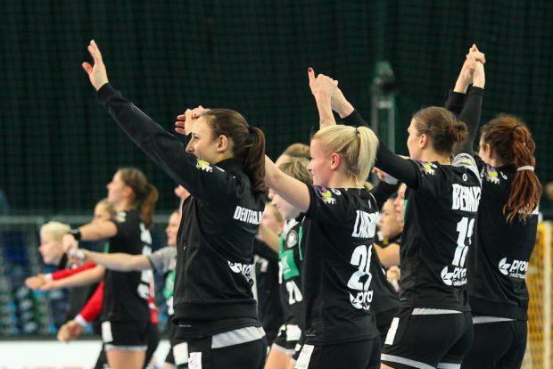 Das deutsche Team bleibt bei der WM noch ungeschlagen - jetzt geht es um den Gruppensieg. Foto: Jan Kaefer