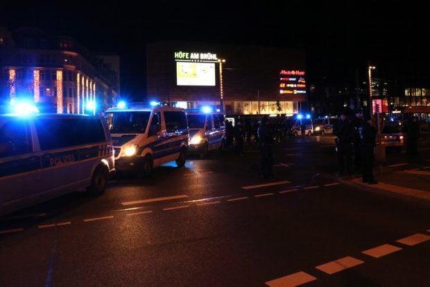 Einmal der ganze Ring dicht. Die Polizei hatte Innenministerrouten und die Demo gleichermaßen abzusichern. Foto: L-IZ.de