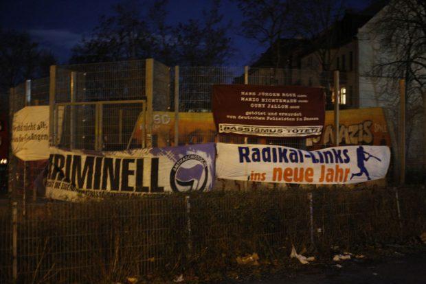 Für das Politische hat schon mal den Basketballplatz übernommen. Fotos: L-IZ.de