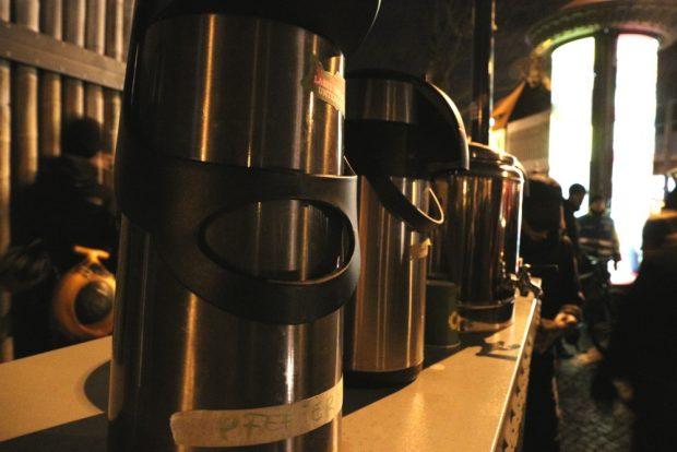 Kaffee und Tee auf der Strecke. Foto: L-IZ.de