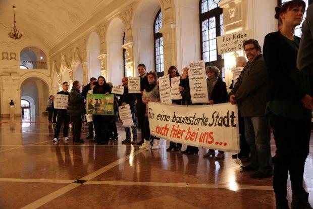 Stadtrat, Proteste und Entscheidungen. Foto: Michael Freitag