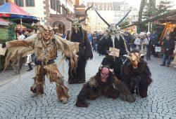 Südtiroler Perchten auf dem Leipziger Weihnachtsmarkt. Foto: Stadt Leipzig, Alexander Gruß