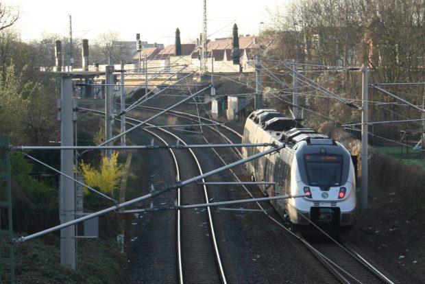 Die S1 unterwegs in Gohlis. Foto: Ralf Julke