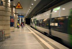 S-Bahn im Hauptbahnhof Leipzig. Foto: Ralf Julke