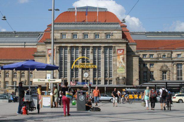 Blick zur Hauptbahnhof-Westhalle. Foto: Ralf Julke