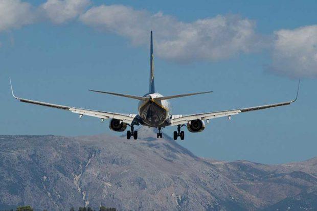 Ärger auf dem Weg in den Winterurlaub: Diese Rechte haben Fluggäste. Foto: j-23b