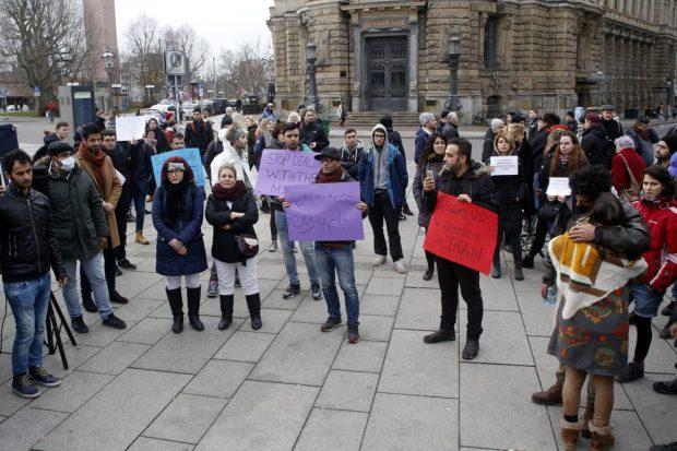 Circa 120 Menschen kamen zur Kundgebung. Foto: Alexander Böhm