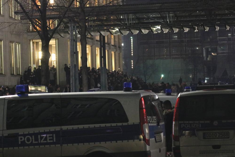 Böse Bildinterpretationen: Versteckt sich hier die Polizei etwa? Foto: L-IZ.de