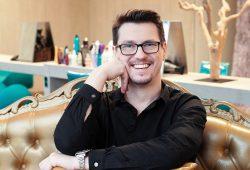 """Es bleibt in der Familie: Unternehmer Frank Strese vom """"Salon Strese"""" in Leipzig. Foto: Salon Strese"""