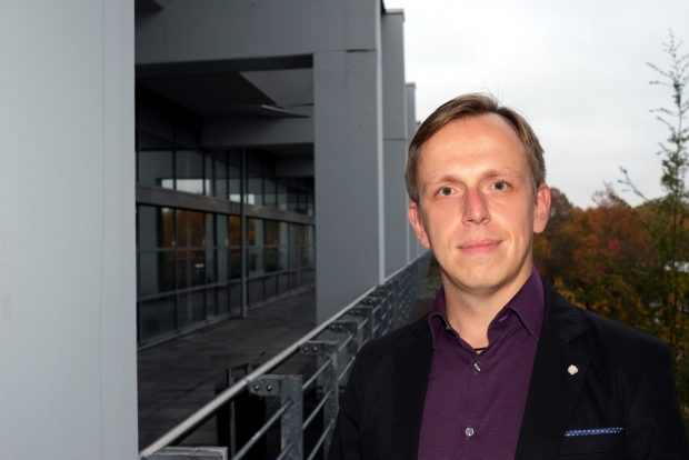 """Als einer der ersten am Stoff """"Treuhand"""" dran, der Wissenschaftler Marcus Böick von der Universität Bochum. Foto: Uni Bochum"""