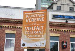 Ein Schild vom 02.09.2017: Wurzener Vereine gegen Rassismus in der 16.000-Einwohnerstadt. Foto: L-IZ.de