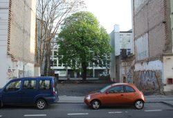 """Georg-Schumann-Straße 84: Hier stand mal der """"Fröhliche Zecher"""". Foto: Ralf Julke"""