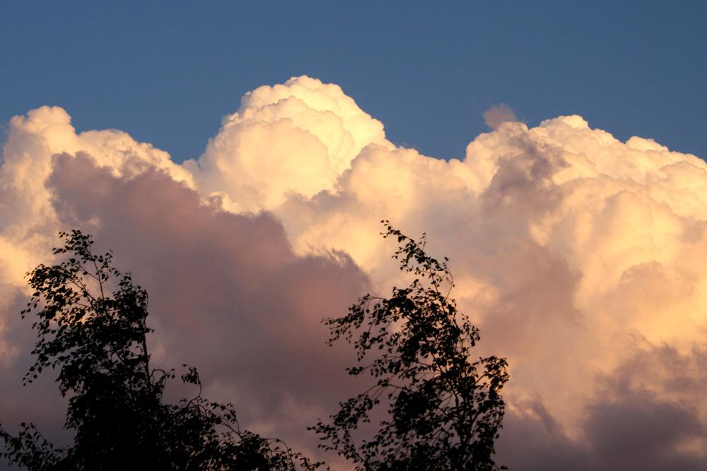 Wolken über Leipzig. Foto: Ralf Julke