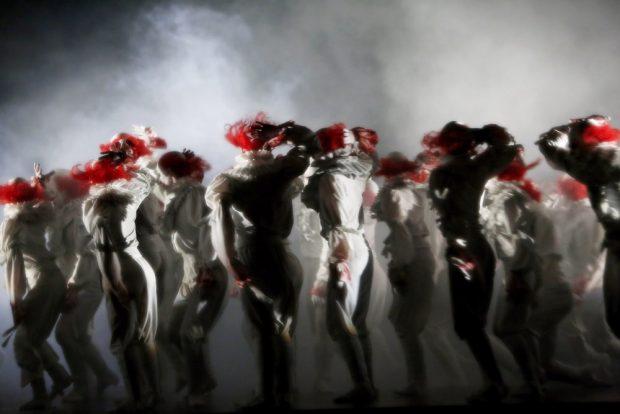 Mario Schröder lässt die Clowns tanzen. Foto: Ida Zenna