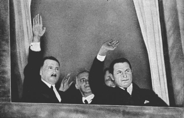 Der Moment der Wahrheit - am 30. Januar 1933 wird das Kabinett Hitlers gebildet und grüßt. Foto: Bilderdienst Hamburg, gemeinfrei