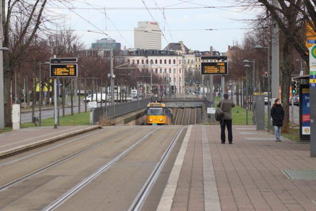 Der Straßenbahntunnel an der Jahnallee auf der Höhe der Arena Leipzig. Foto: L-IZ.de