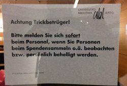 Eine Warnung an der Unibibliothek. Foto: Martin Schöler