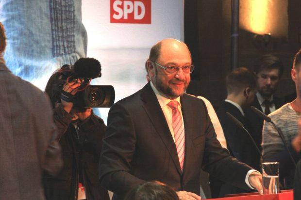 """Erst fast der """"Messias"""" dann rasant abgestürzt: Martin Schulz vor einem knappen Jahr am 26. Februar 2017 zum Wahlkampfauftakt in Leipzig. Foto: Michael Freitag"""