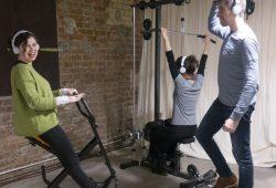 Jymmin, ein Mix aus Sporttraining und Musikmachen, erhöht unsere Schmerzschwelle und macht uns damit unempfindlicher gegenüber Schmerzen. Foto: MPI CBS