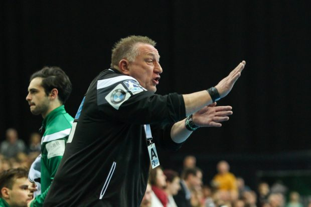 Vor allem in der ersten Hälfte hatte DHfK-Coach Michael Biegler viel zu korrigieren. Foto: Jan Kaefer