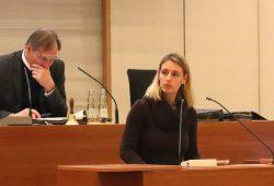 Burkhard Jung und Franziska Riekewald (Linke) am 28. Februar 2018 im Stadtrat Leipzig. Foto: L-IZ.de