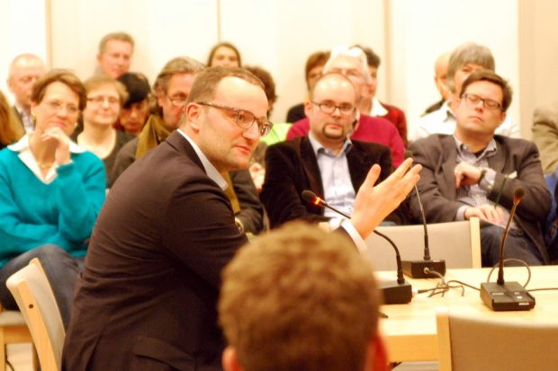 Jens Spahn (CDU) auf Einladung Frank Richters beim Dialogversuch 2015 in Dresden. Foto: Michael Freitag