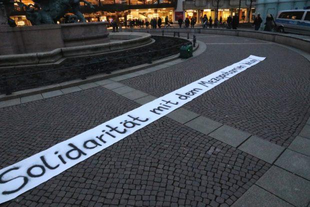 Solidarität mit dem Mezopotamien-Verlag. Foto: L-IZ.de