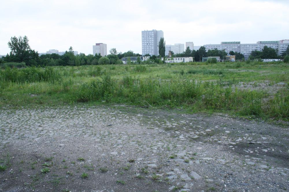 Hier könnte längst gebaut werden: Gelände am Bayerischen Bahnhof - Blick Richtung Norden. Foto: Ralf Julke