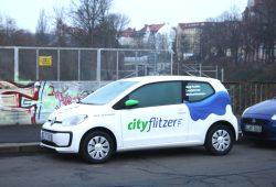 Ein CityFlitzer in Gohlis. Foto: Ralf Julke