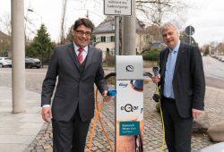 Tim Hartmann, Vorstandsvorsitzender der enviaM AG (l.) und Karsten Schütze, Oberbürgermeister Stadt Markkleeberg. Foto: Christian Kortüm
