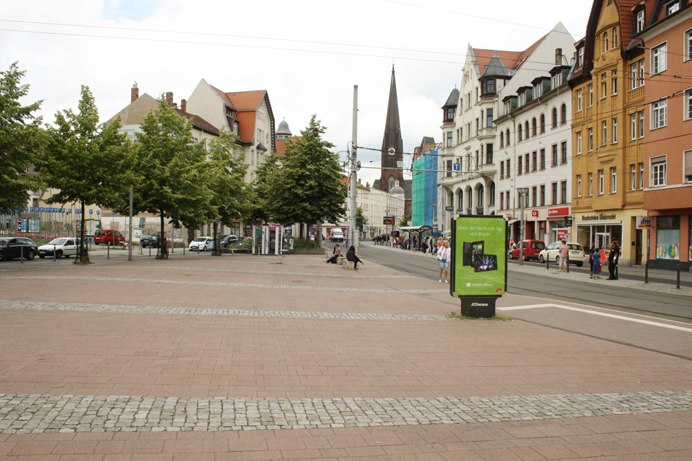 Die Bäume auf der Südseite des Lindenauer Marktes sind 2018 vertrocknet. Archivfoto: Ralf Julke