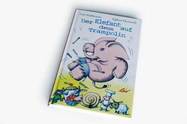 Lutz Rathenow, Egbert Herfurth: Der Elefant auf dem Trampolin. Foto: Ralf Julke