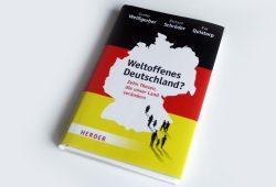 Gunter Weißgerber, Richard Schröder, Eva Quistorp: Weltoffenes Deutschland? Foto: Ralf Julke