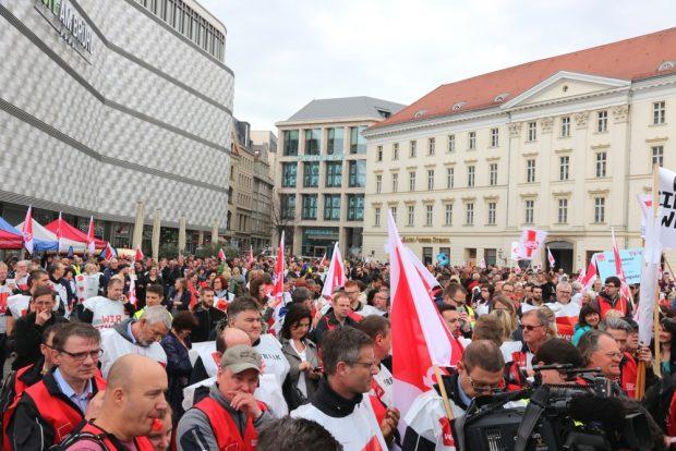 Die Kundgebung am 13. April 2018 auf dem Richard-Wagner-Platz. Foto: L-IZ.de