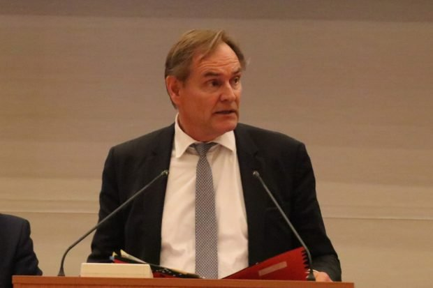 Seit 2006 Oberbürgermeister in Leipzig: Burkhard Jung (SPD) am 18. April im Ratssaal. Foto: L-IZ.de
