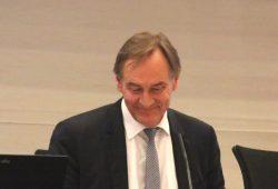 Burkhard Jung schon während der Ratsversammlung hier und da eher zum Scherzen aufgelegt. Foto: L-IZ.de