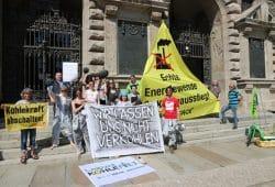 Die Forderung, bereits 2023 in die kohlefreie Zukunft Leipzigs statt 2030 einzusteigen. Foto: L-IZ.de