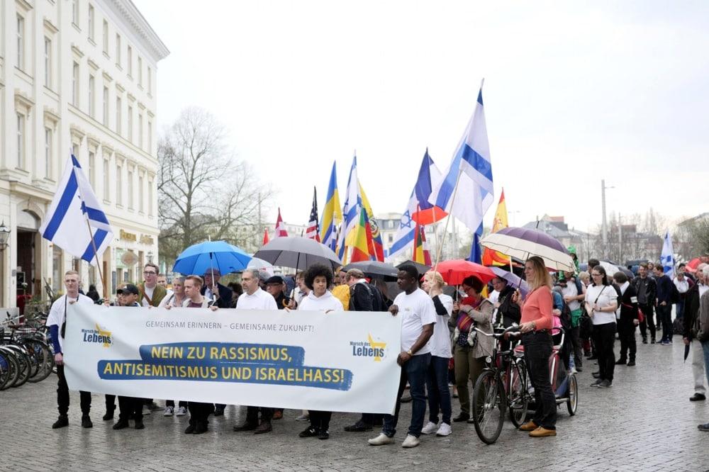 Marsch des Lebens in Leipzig auf dem Richard Wagner Platz. Foto: Luca Kunze
