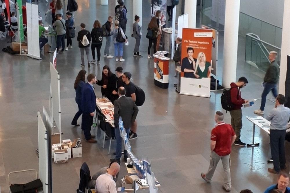 Studieninformationstag 2018: Informationsstände im Neuen Augusteum. Foto: Karina Straube/Universität Leipzig