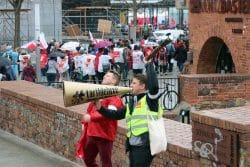 Ein Warnstreik und eine Demo am 13. April 2018, die durchschlugen. Der öffentliche Nahverkehr in Leipzig lag lahm. Foto: L-IZ.de