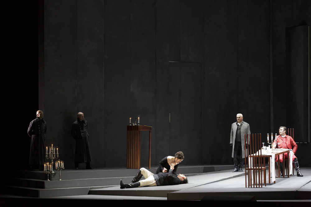 Tosca in der Semperoper. Foto: Klaus Gigga