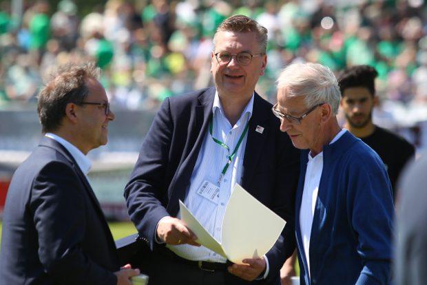 DFB-Präsident Reinhard Grindel war in Leutzsch vor Ort. Foto: Jan Kaefer