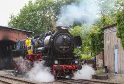 Lok-Kicker auf Dampflok - mehr Lokomotive geht nicht. Foto: Jan Kaefer