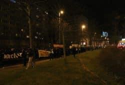 Die Wohnblöcke hinterm Astoria an der Gerberstraße (Motiv: Demo zur Innenministerkonferenz in Leipzig). Foto: L-IZ.de