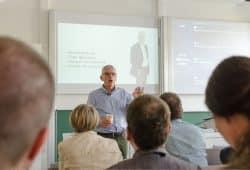 """Dieses Jahr mit einer Keynote dabei: Tom Haak vom HR Trend Institute Amsterdam (Niederlande). Er wird Wirkungen technischer Lösungen im Bereich """"Employee Experience"""" aufzeigen. Foto: HTWK Leipzig"""